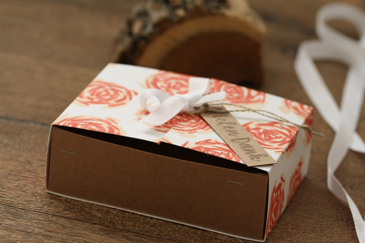 Blumige Verpackung